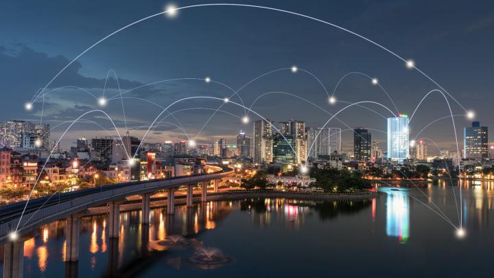 Smart City - cidade iluminada a noite
